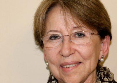 Anna M Perez